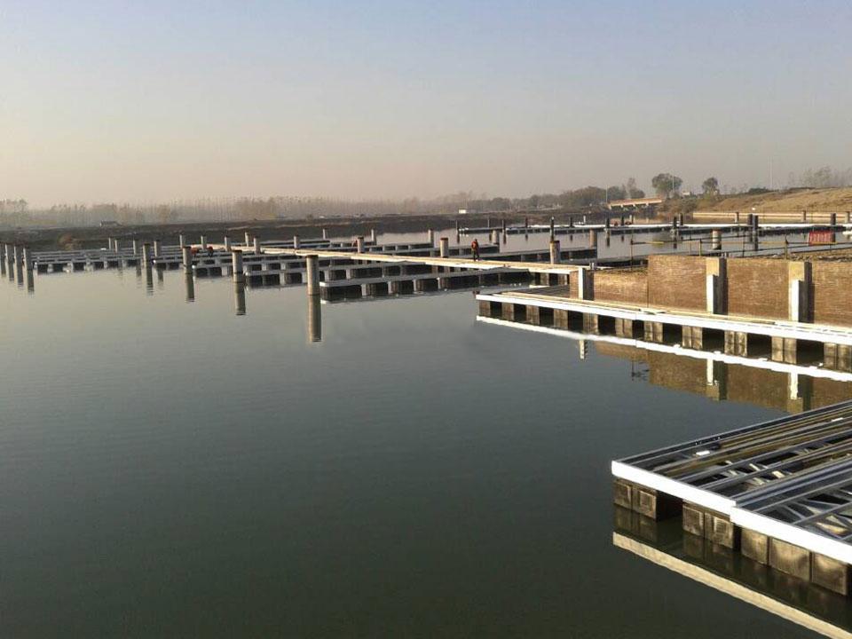 江苏宿迁骆马湖游艇码头正在施工