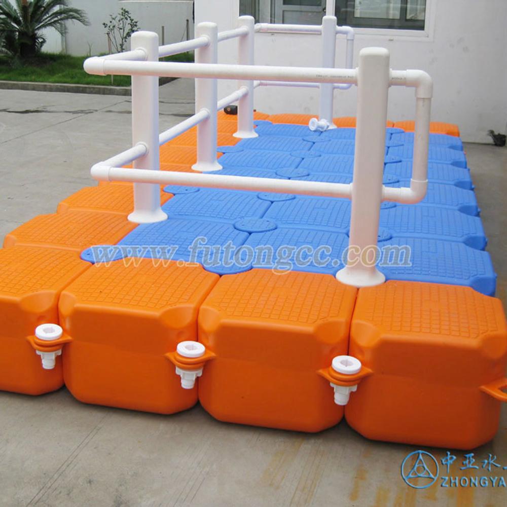 中亚水上乐园及浮筒产品