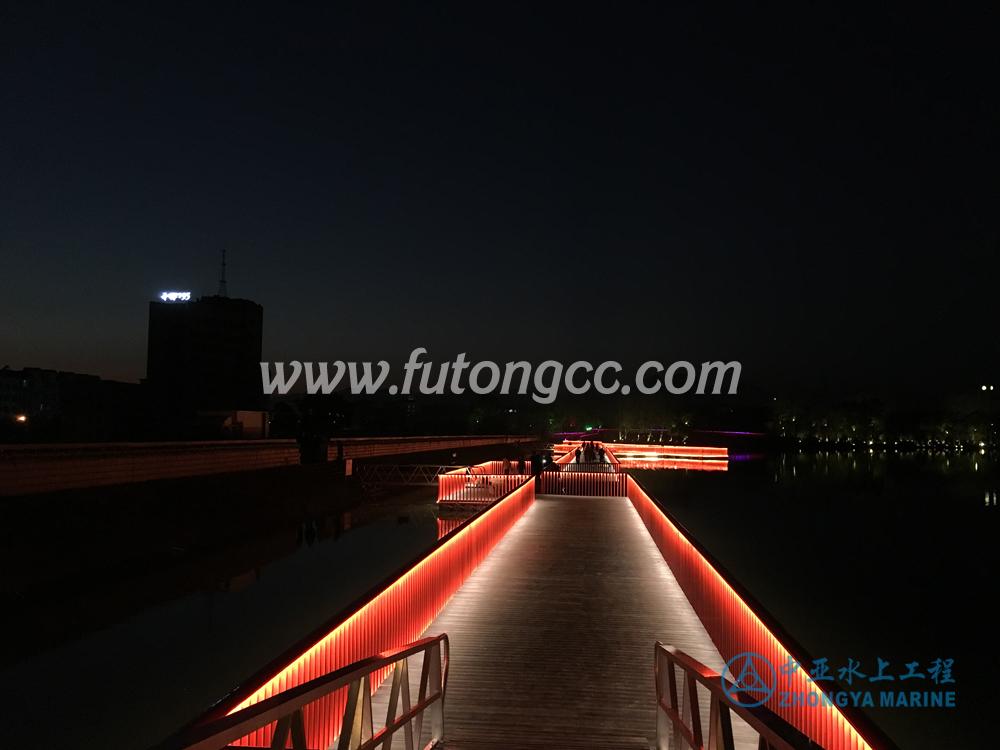 Pujiang Golden Lion Lake Floating Bridge