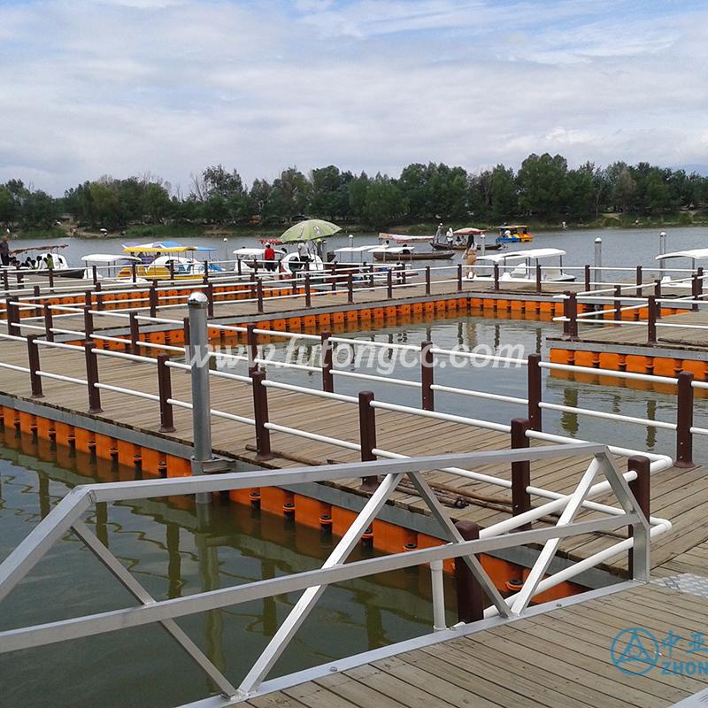 内蒙古南湖湿地公园浮动码头