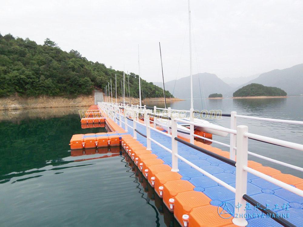 江西柘林湖水上浮桥